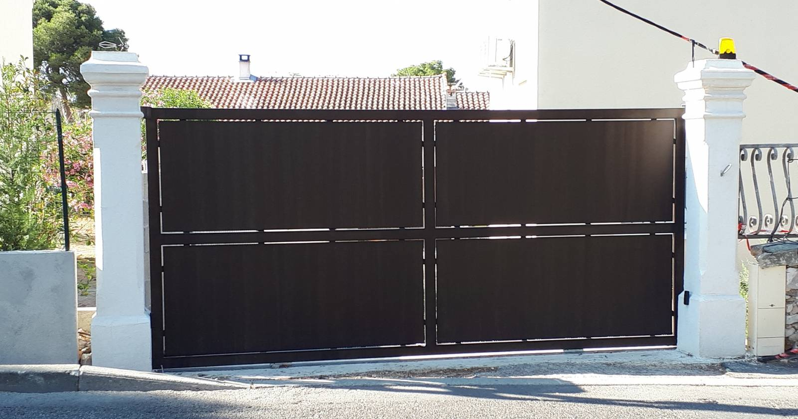 Habiller Un Pilier En Beton coffrer des poteaux de portail en béton avec des coffrages